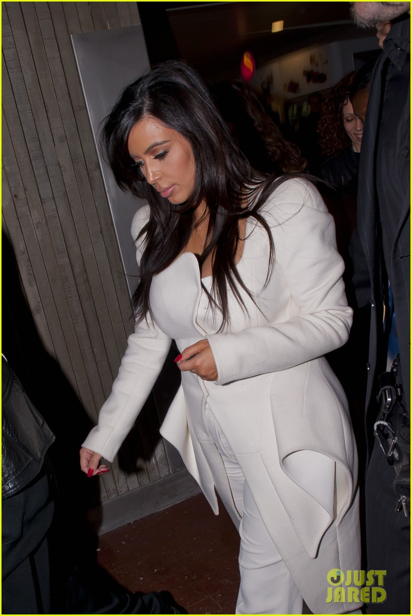 kim kardashian kanye west givenchy show couple 09