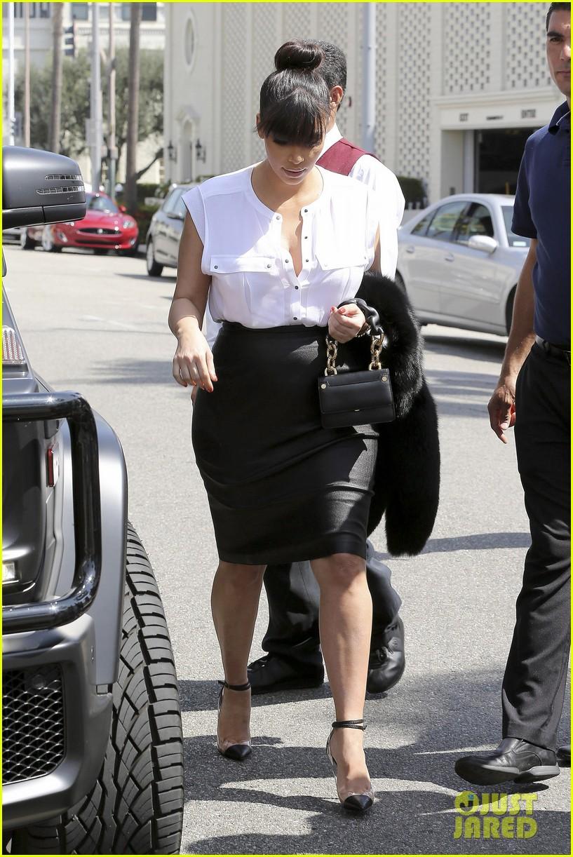 kim kardashian pregnant il pastaio lunch 12
