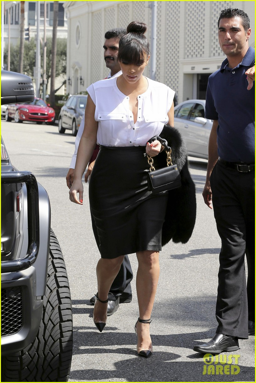 kim kardashian pregnant il pastaio lunch 142835189