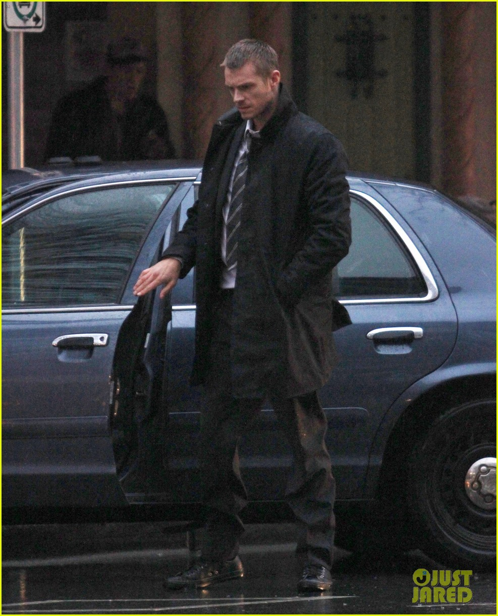joel kinnaman the killing season 3 starts filming 032825034