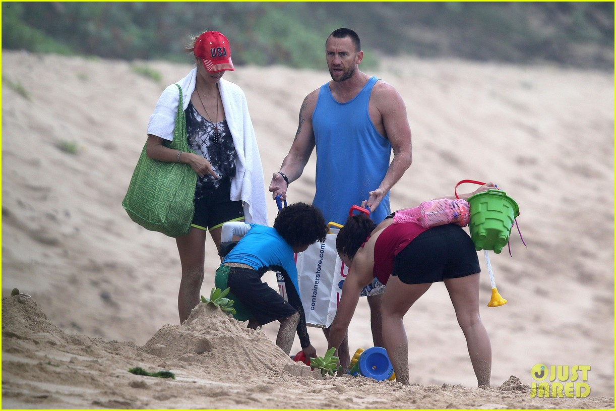 heidi klum martin kirsten hawaii beach day with the family 062838116