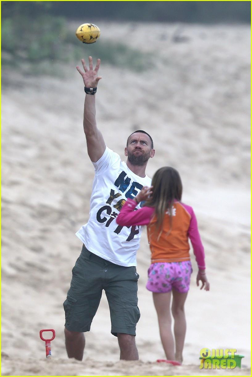 heidi klum martin kirsten hawaii beach day with the family 102838120
