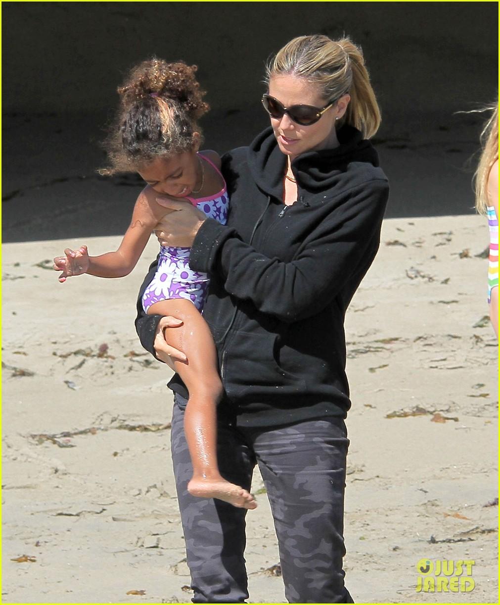 heidi klum martin kirsten beach day with the kids 32