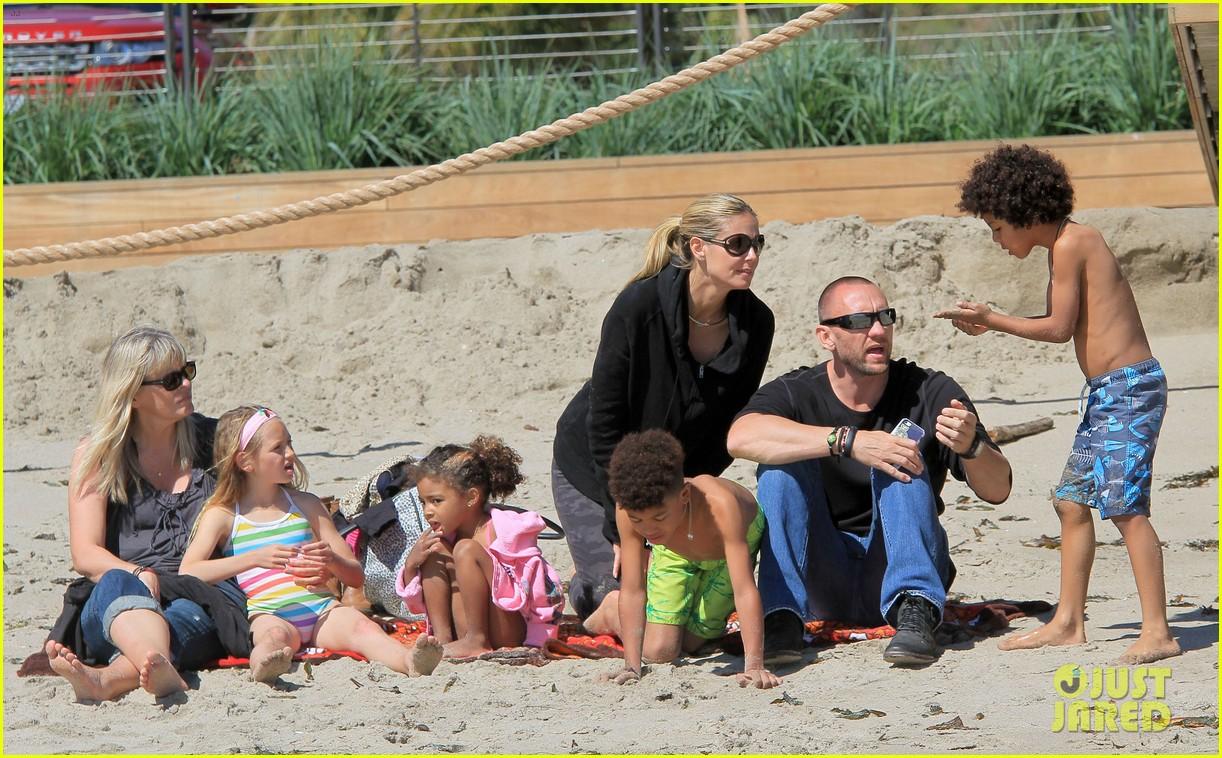 heidi klum martin kirsten beach day with the kids 332828752
