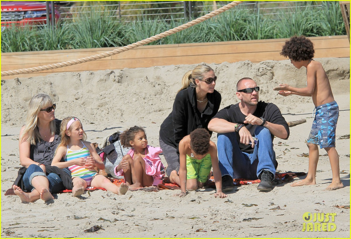 heidi klum martin kirsten beach day with the kids 34