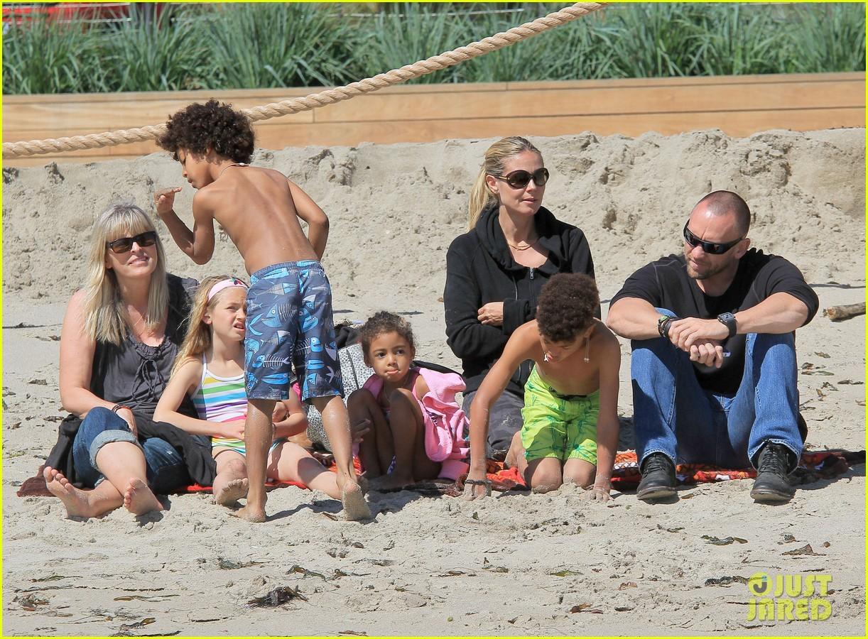 heidi klum martin kirsten beach day with the kids 352828754