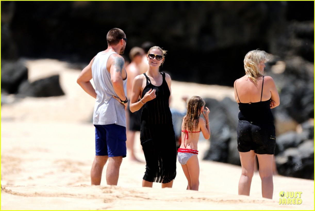 heidi klum martin kirsten beach picnic with the kids 282840334