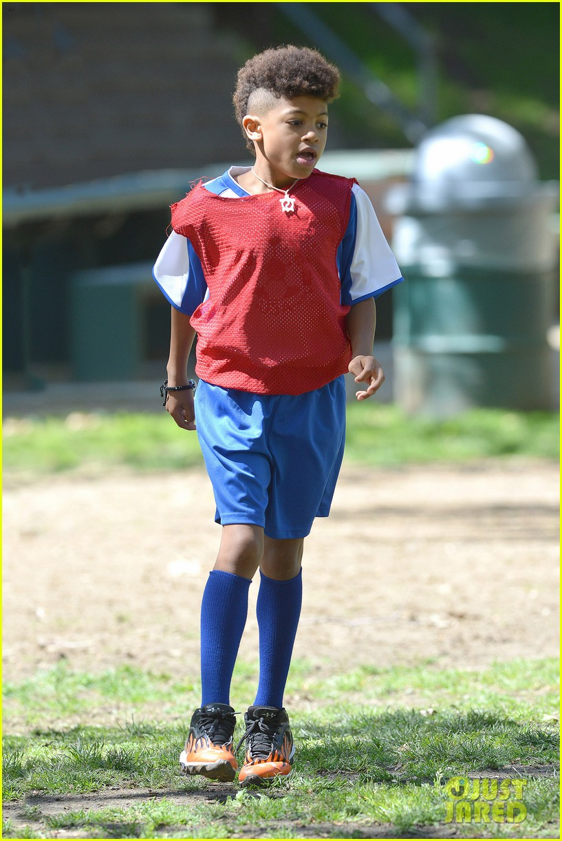 heidi klum boyfriend soccer game 142828165
