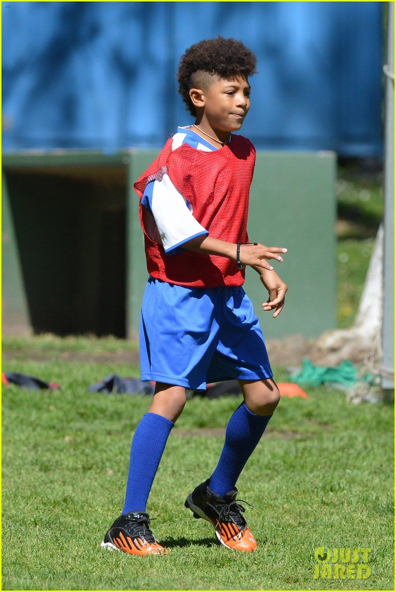 heidi klum boyfriend soccer game 242828175