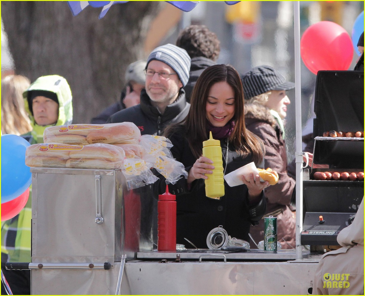 kristin kreuk gun carrying beauty and the beast scene 042838014