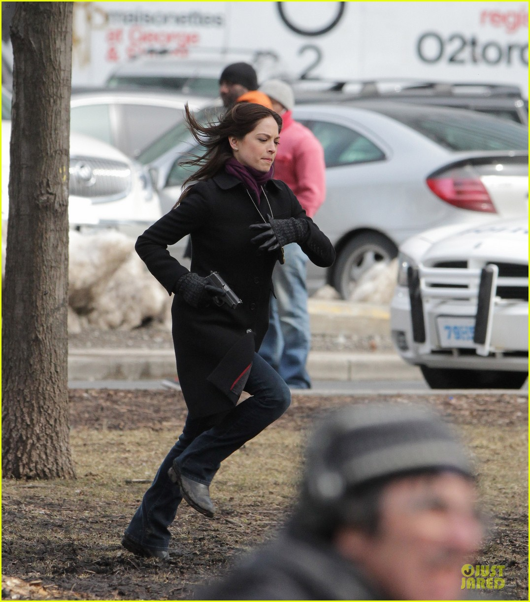 kristin kreuk gun carrying beauty and the beast scene 132838023