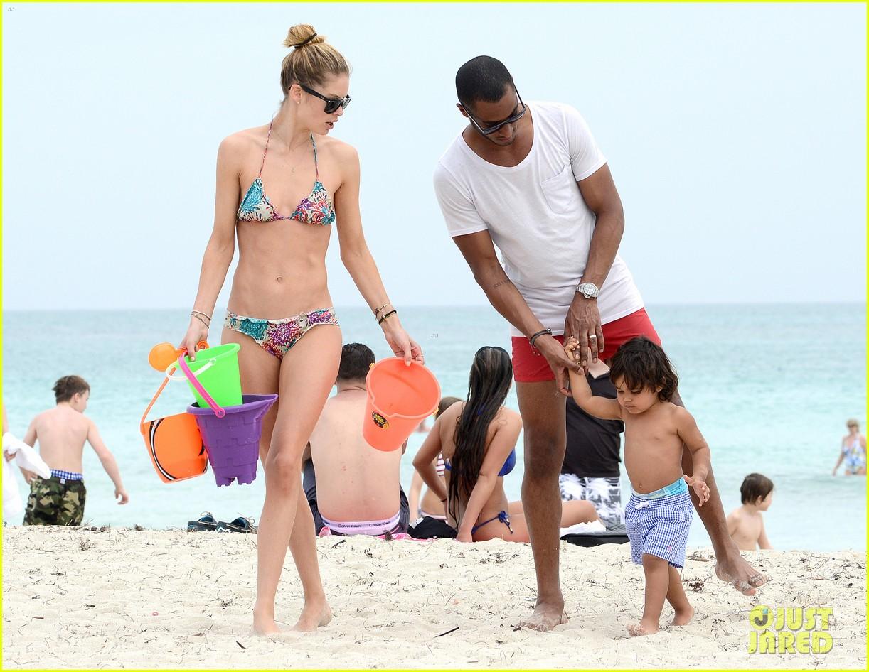 doutzen kroes sunnery james beach day with phyllon 052837745