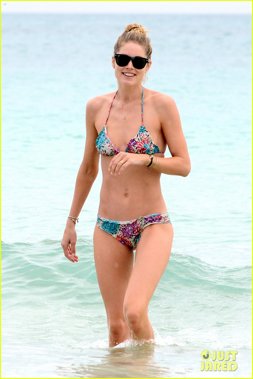 doutzen kroes sunnery james beach day with phyllon 072837747