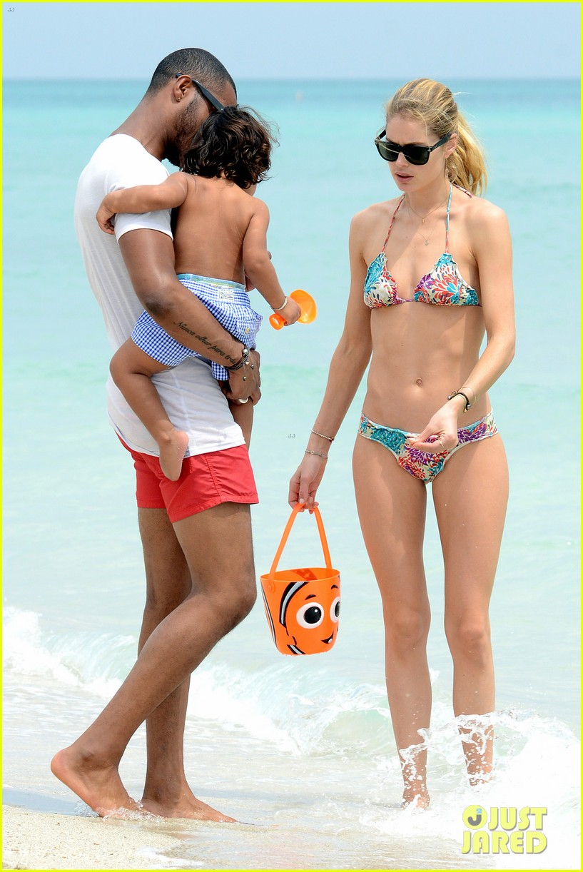 doutzen kroes sunnery james beach day with phyllon 102837750