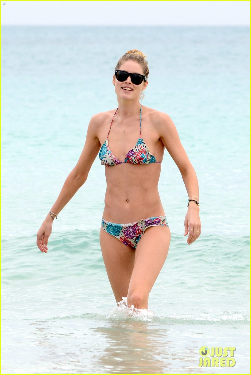 doutzen kroes sunnery james beach day with phyllon 192837759
