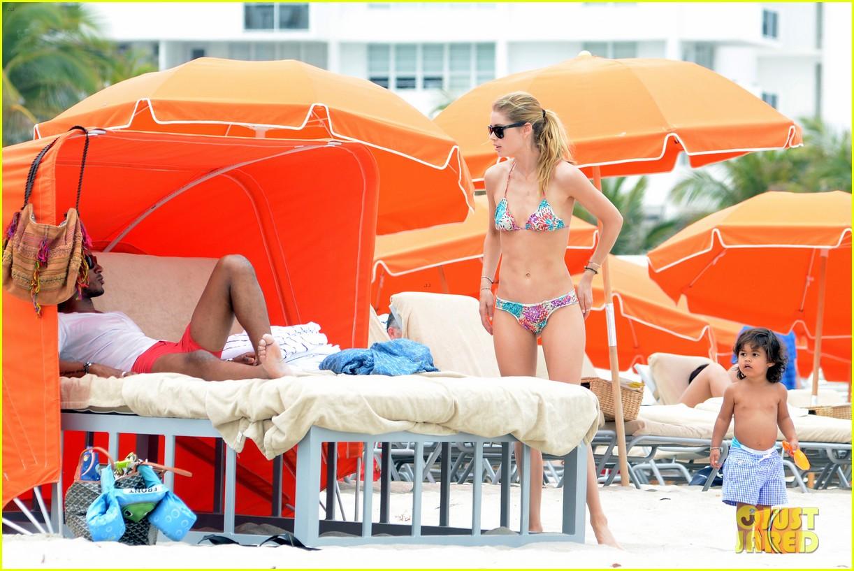doutzen kroes sunnery james beach day with phyllon 202837760