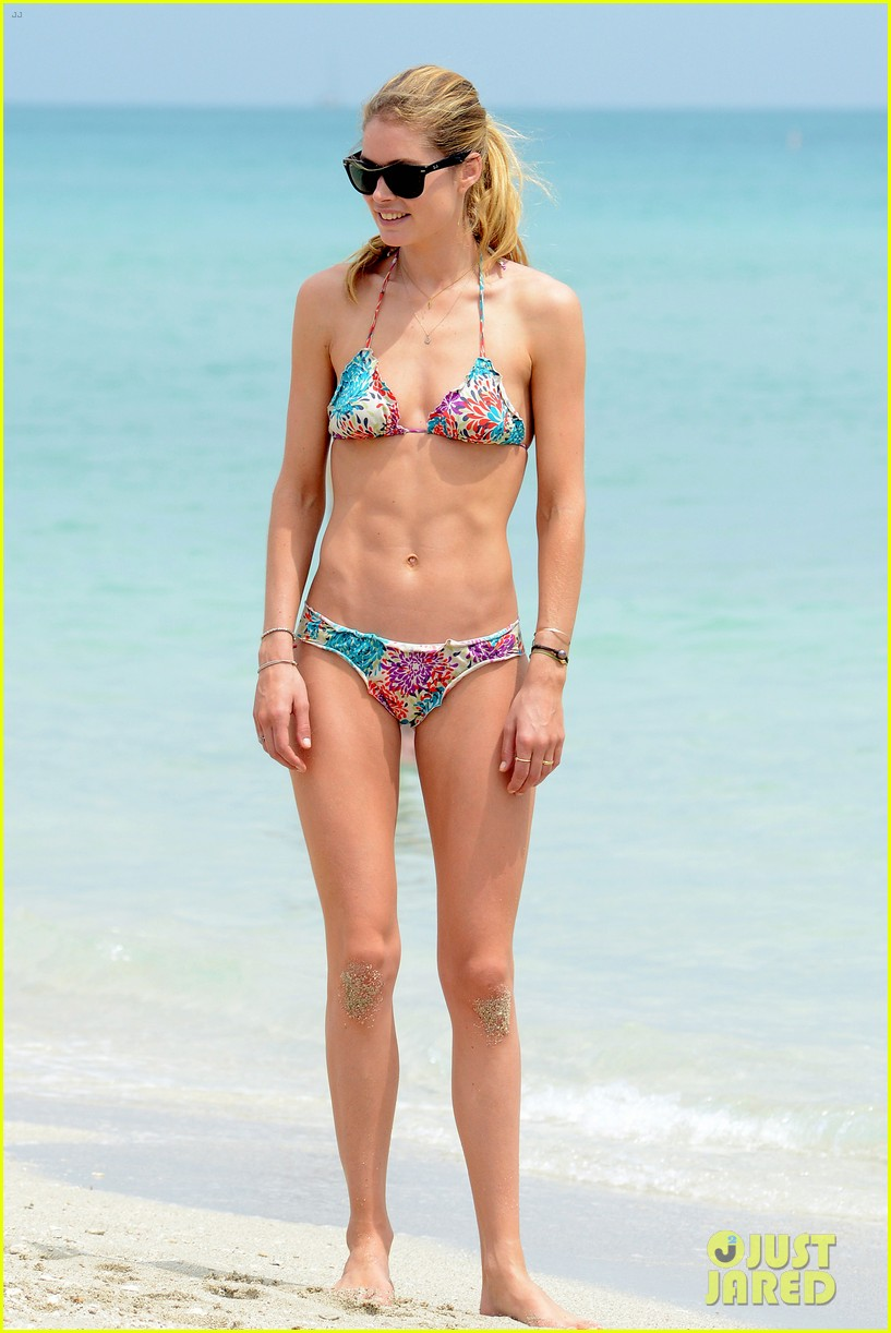 doutzen kroes sunnery james beach day with phyllon 222837762