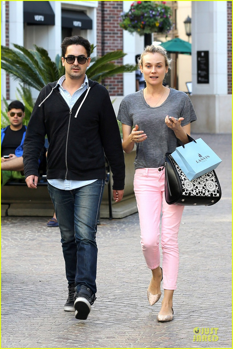 diane kruger pink shopping day 012829612