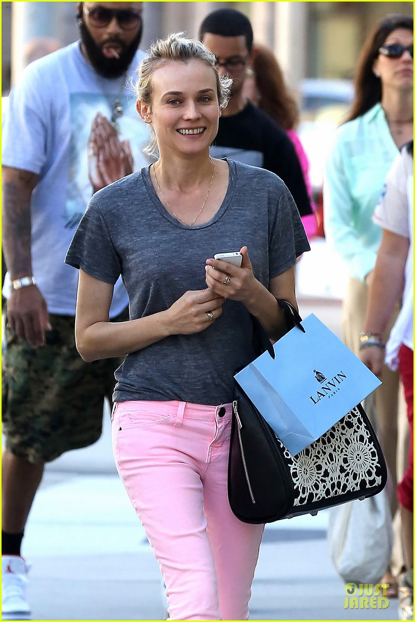 diane kruger pink shopping day 022829613