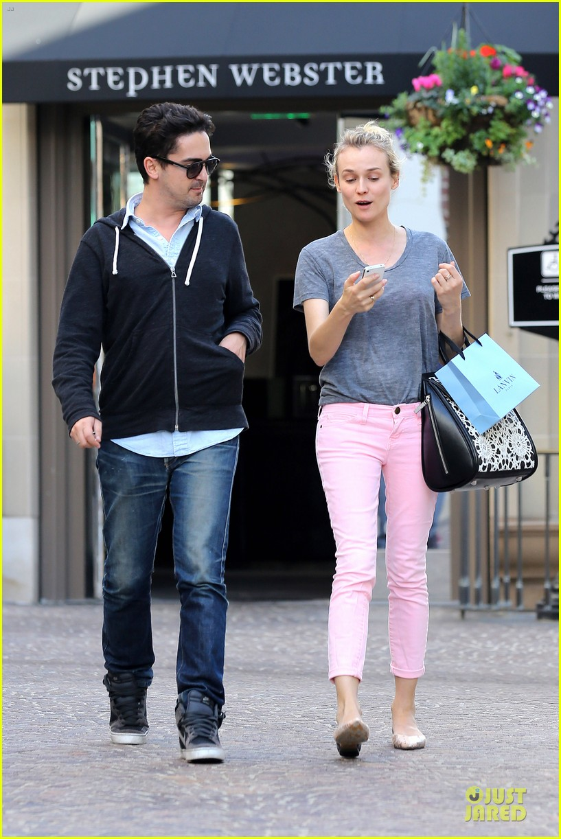 diane kruger pink shopping day 052829616