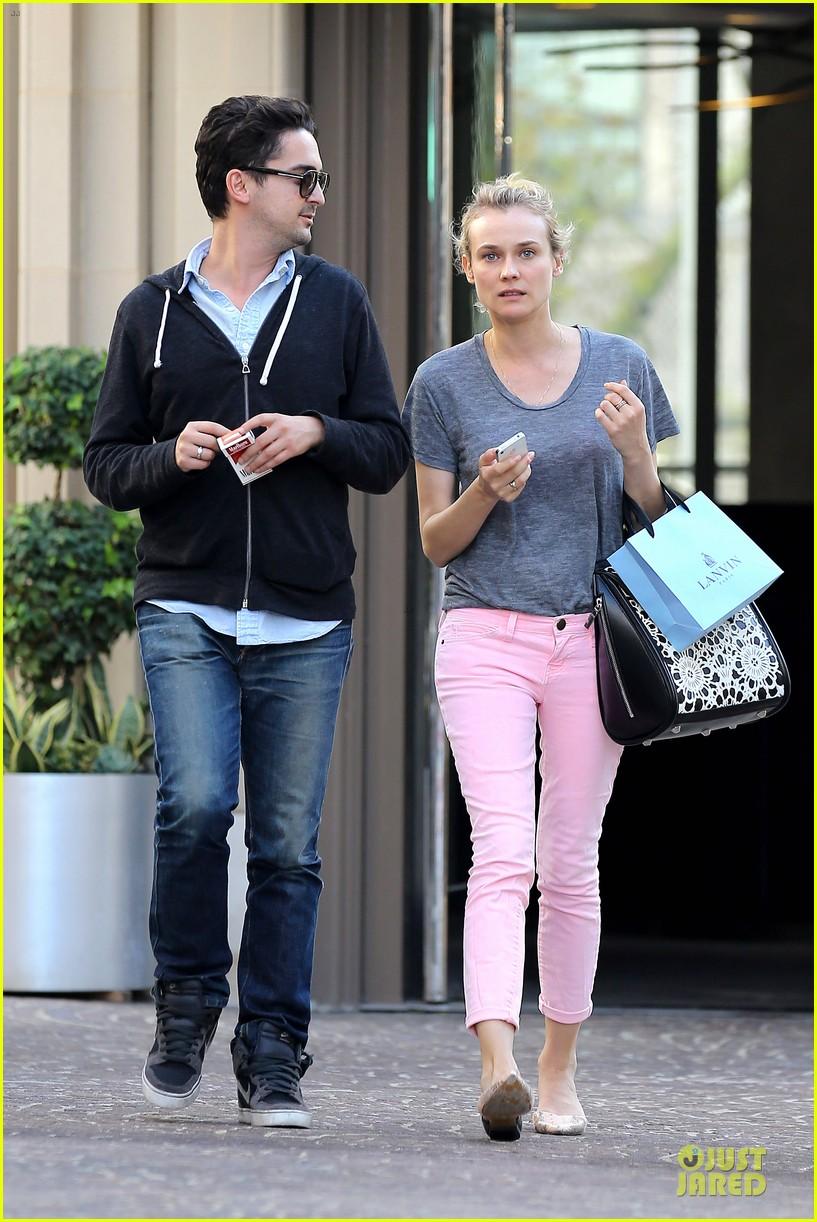 diane kruger pink shopping day 102829621