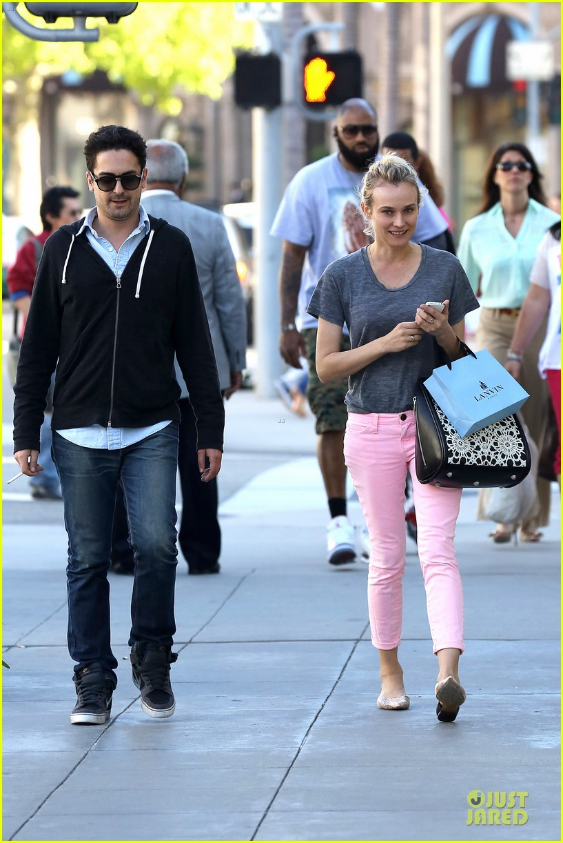 diane kruger pink shopping day 132829624
