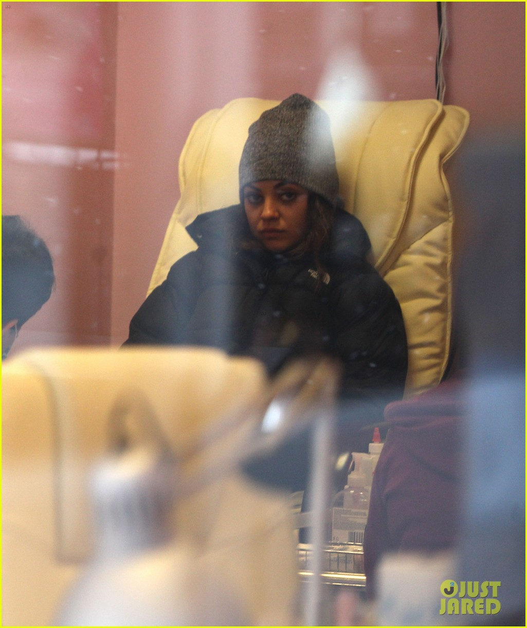 mila kunis gets pampered ashton kutcher picks up ice cream 042837507