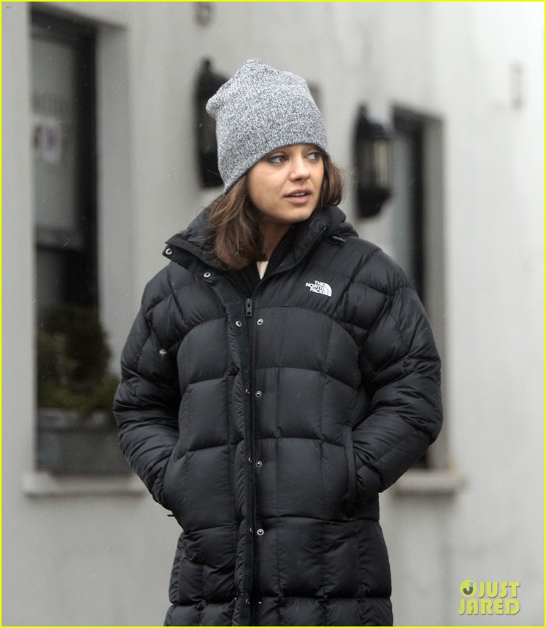 mila kunis gets pampered ashton kutcher picks up ice cream 082837511