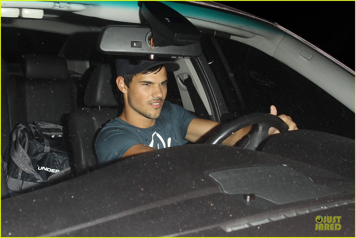 taylor lautner ashley benson fogo de chao friday dinner 022831490