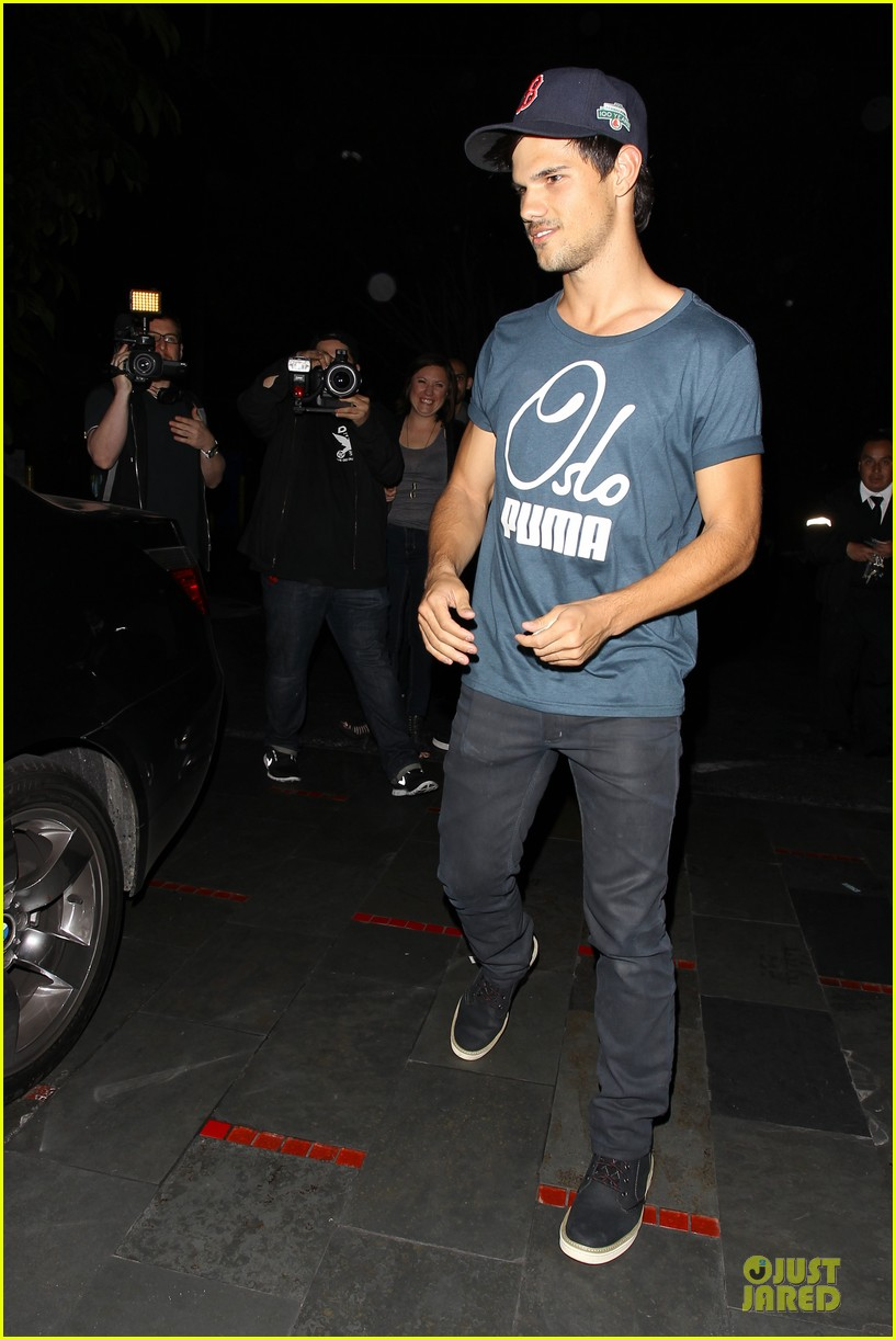 taylor lautner ashley benson fogo de chao friday dinner 132831501