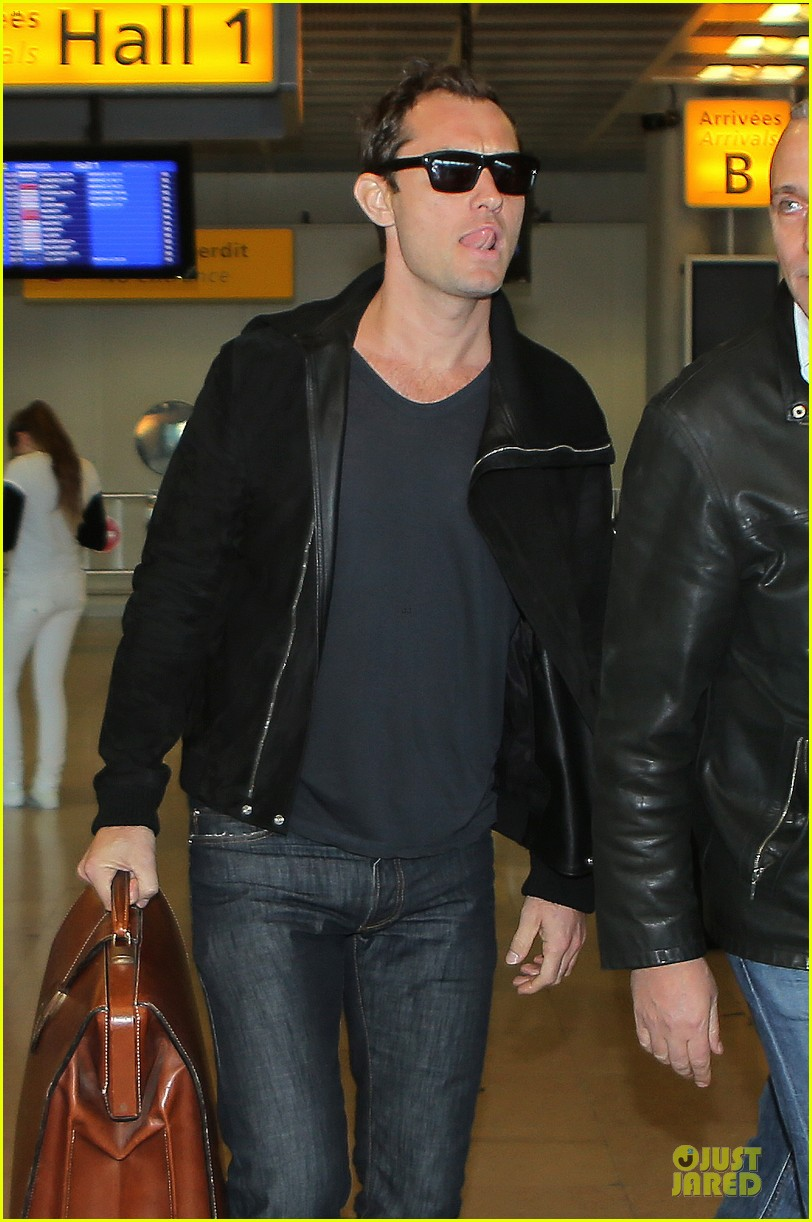 jude law au revoir to france with a mystery woman 022824983