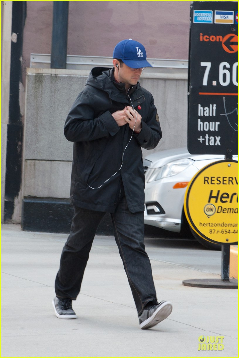 joesph gordon levitt los angeles dodgers love in nyc 012840345