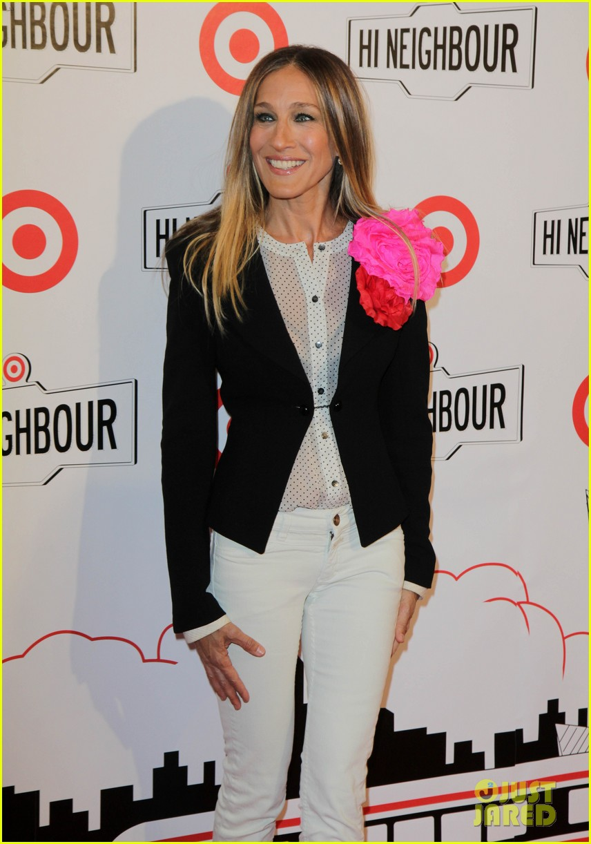 blake lively sarah jessica parker target launch in canada 04