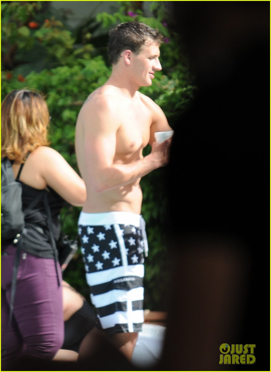 ryan lochte what would ryan lochte do beach filming 032833886