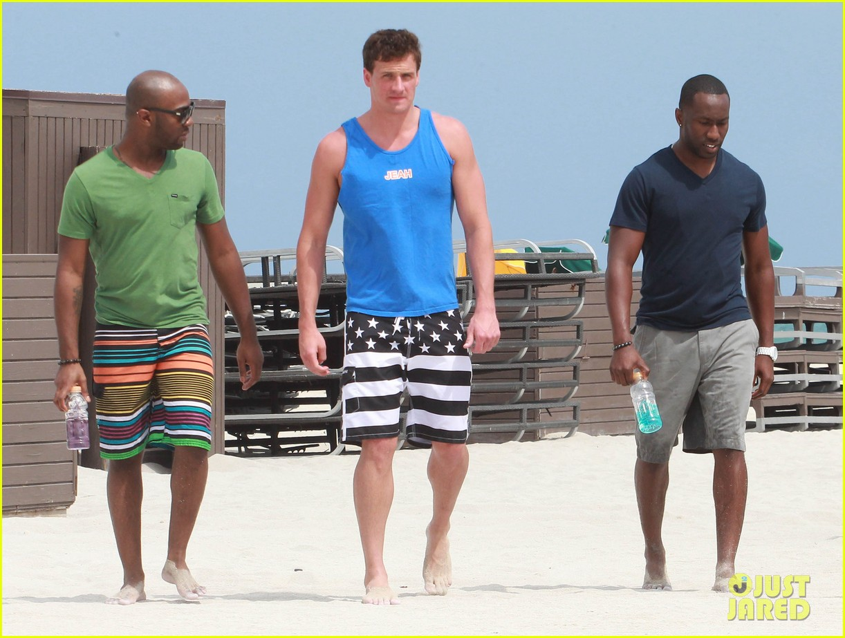 ryan lochte what would ryan lochte do beach filming 082833891