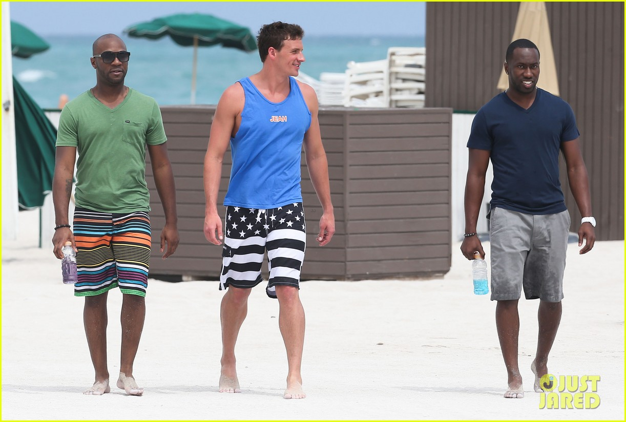 ryan lochte what would ryan lochte do beach filming 31