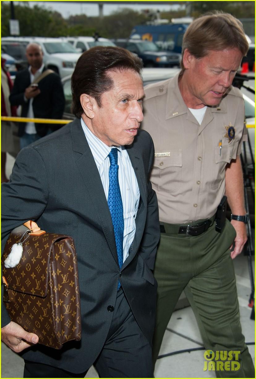 lindsay lohan takes plea deal rehab for 90 days no jail 132832916