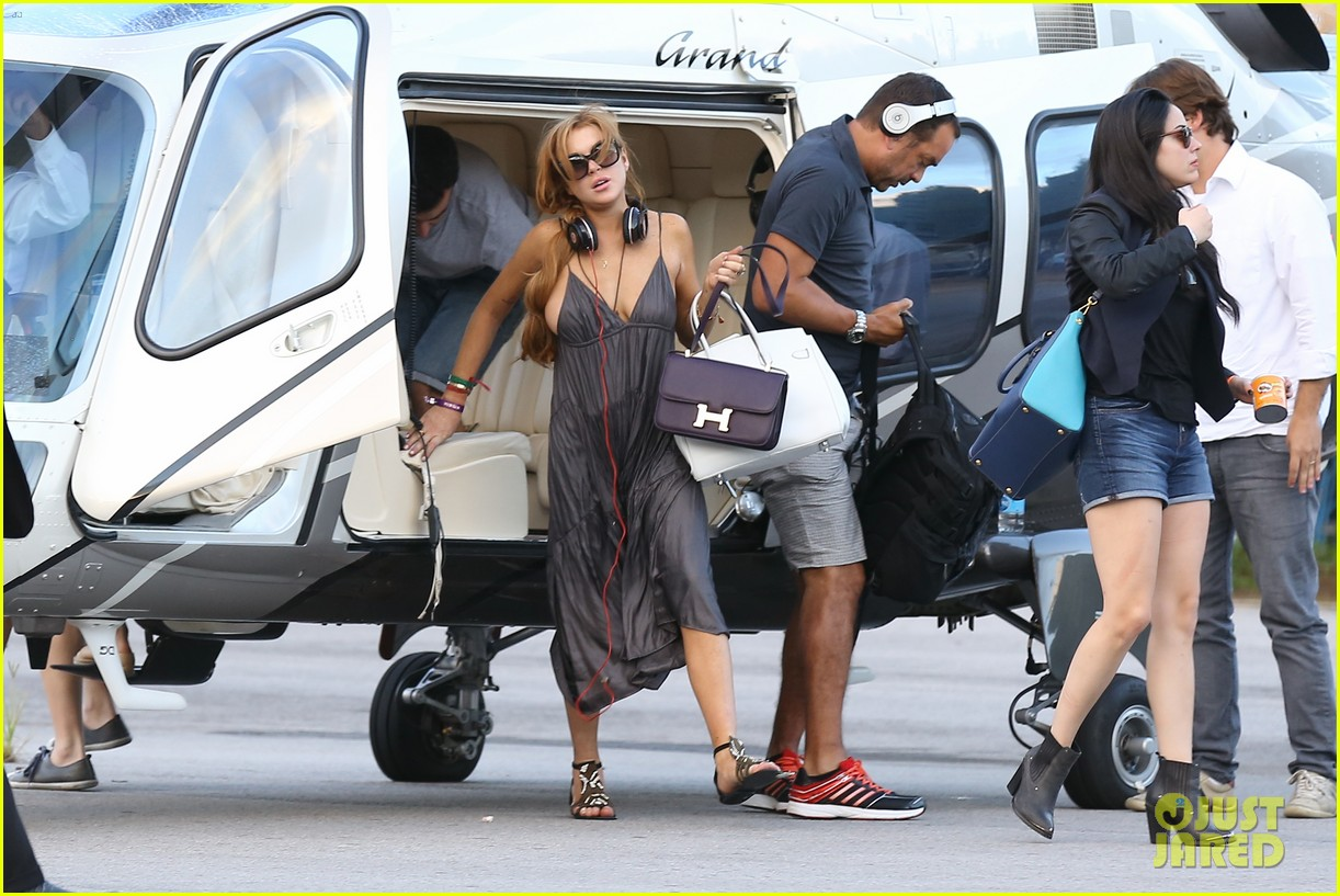 lindsay lohan helicopter ride dj night in brazil 182840824