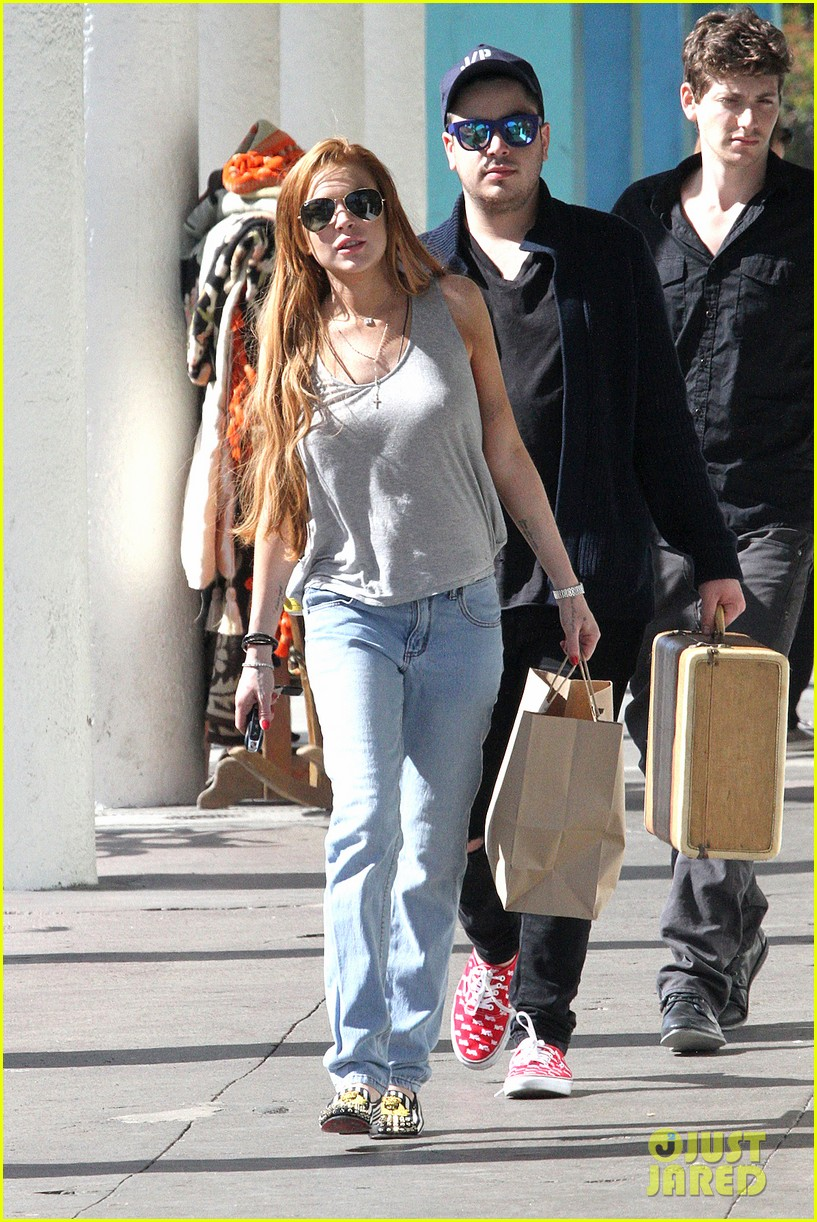 lindsay lohan shopping after court sentencing 062835695