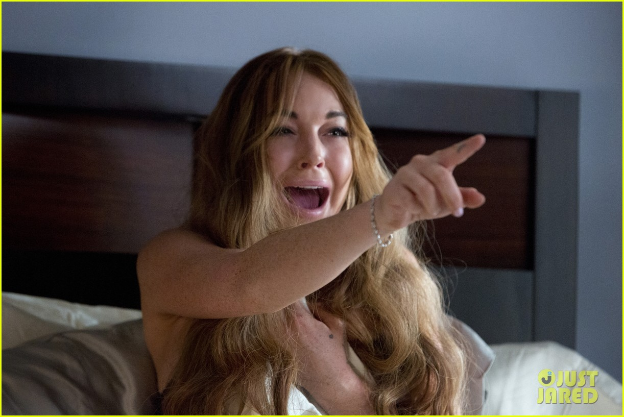 lindsay lohan ashley tisdale scary movie 5 exclusive stills 012833588
