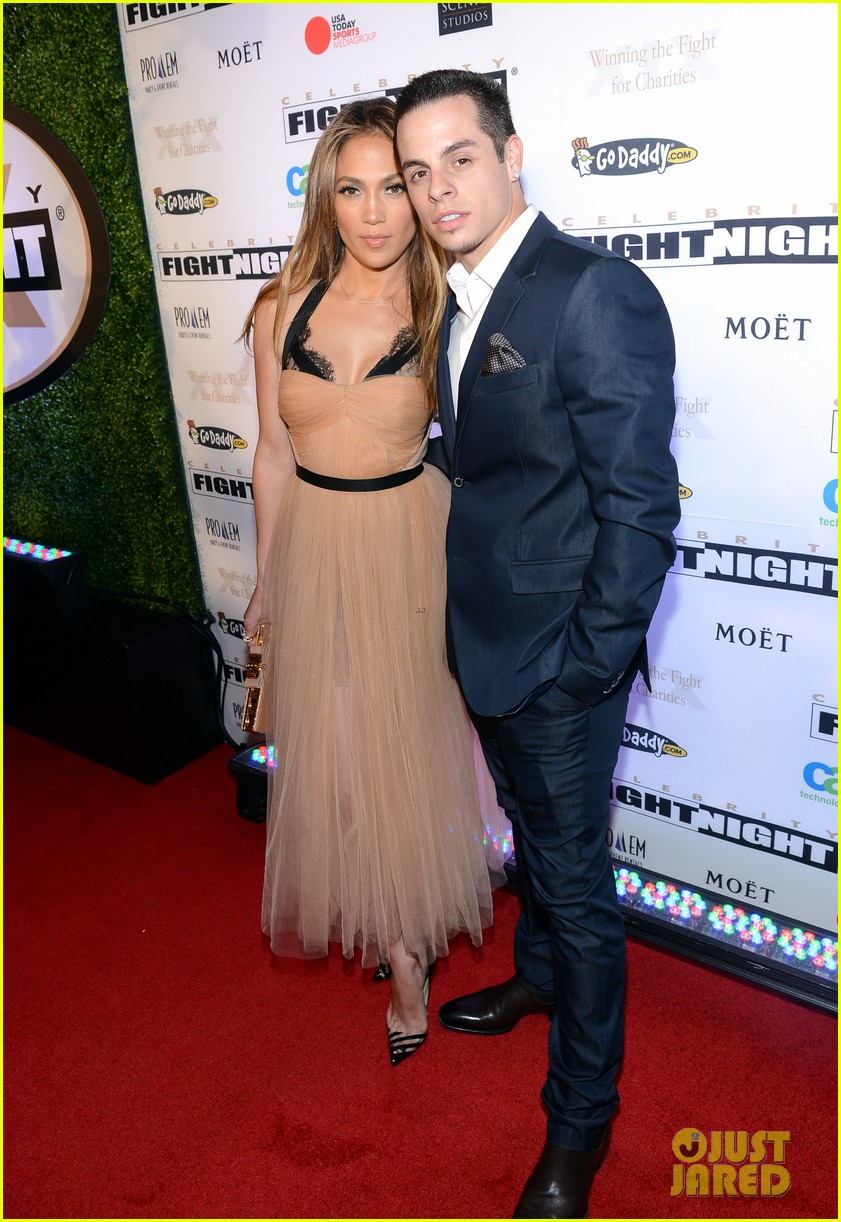 jennifer lopez celebrity fight night with casper smart 062836609