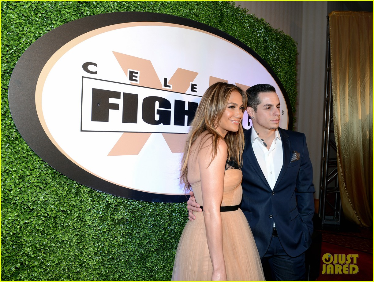 jennifer lopez celebrity fight night with casper smart 182836621