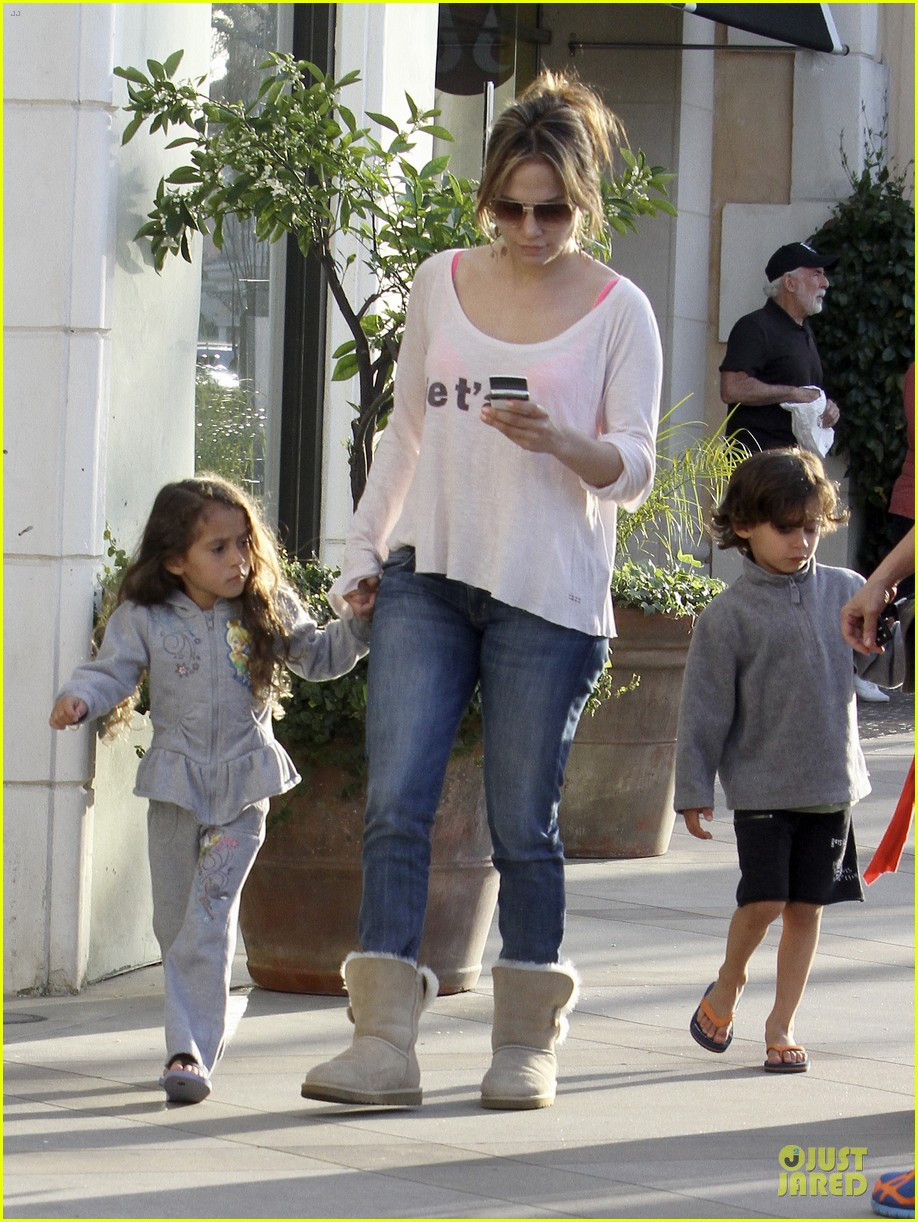 jennifer lopez casper smart surprise with roxy 072831430
