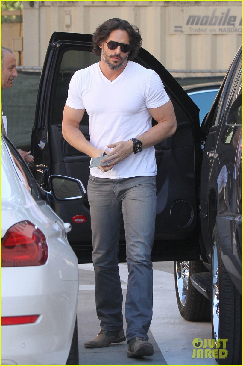 joe manganiello fitness book to be released in 2014 052823939