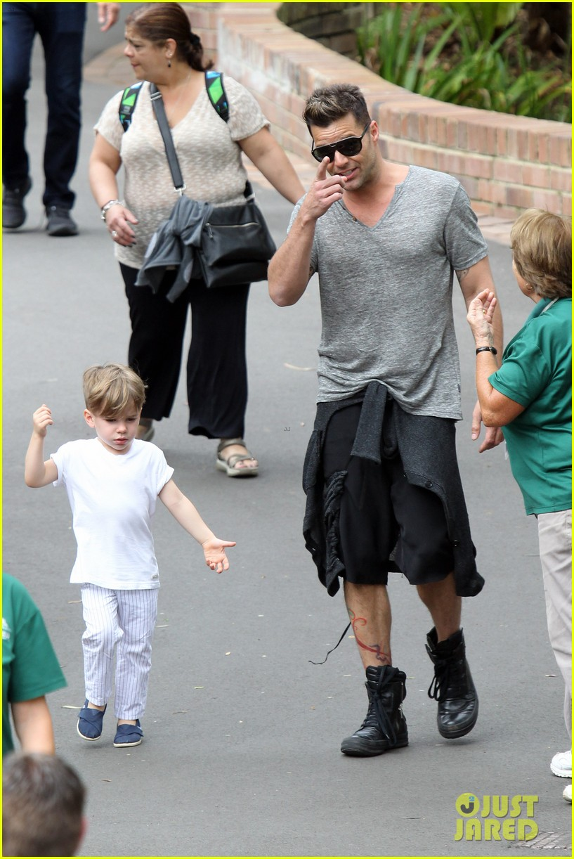 ricky martin taronga zoo with matteo and valentino 012826318