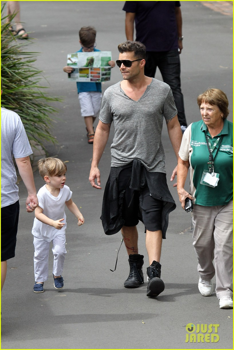 ricky martin taronga zoo with matteo and valentino 102826327