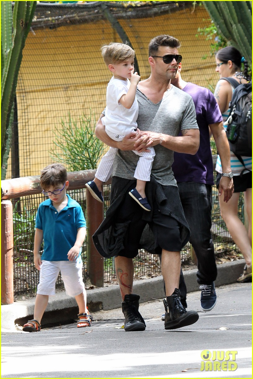 ricky martin taronga zoo with matteo and valentino 152826332