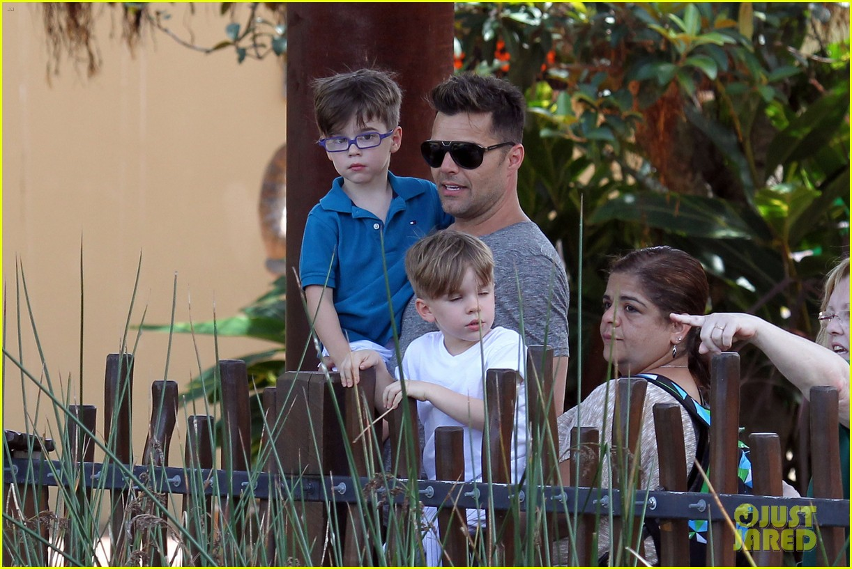 ricky martin taronga zoo with matteo and valentino 252826342