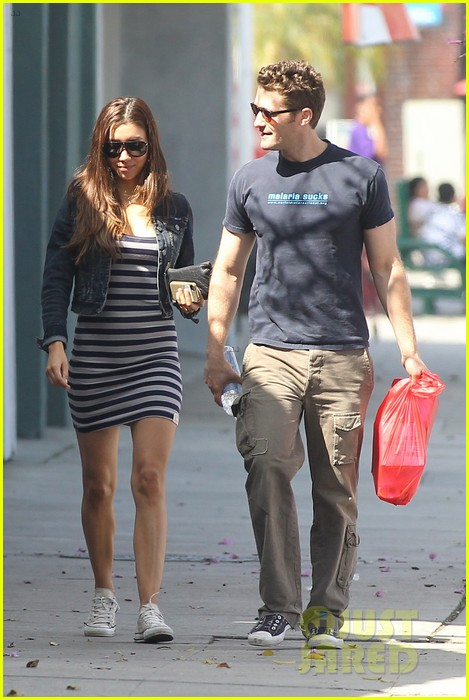 matthew morrison renee puente shopping duo 05