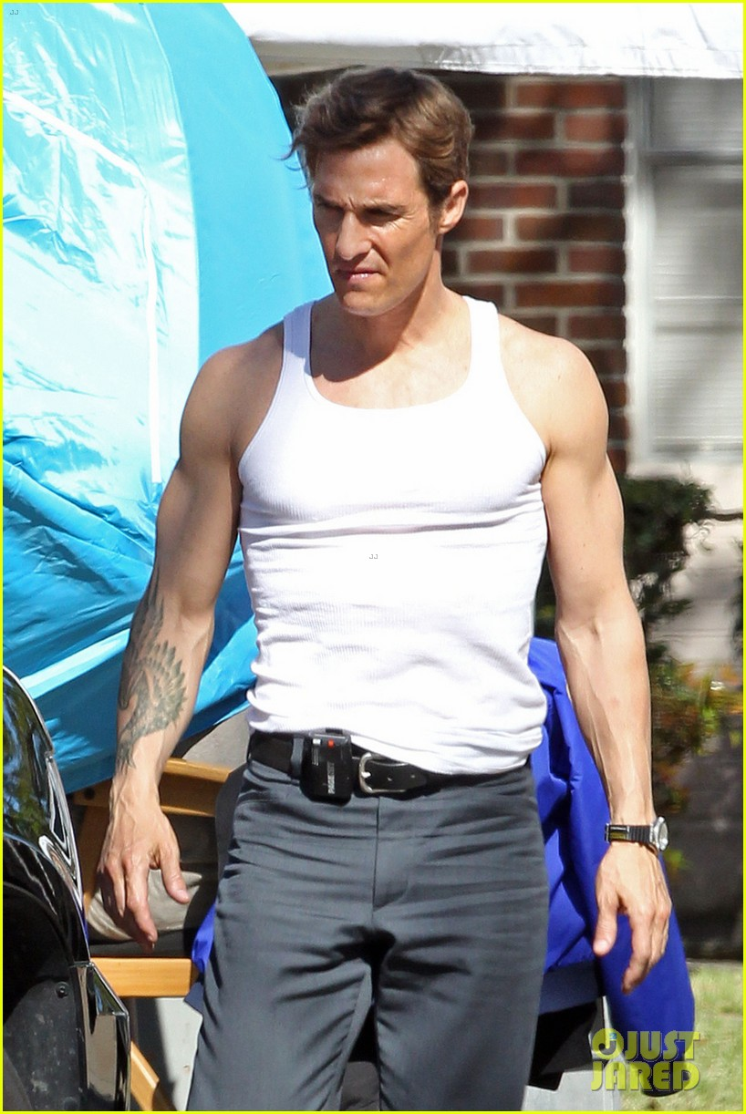 matthew mcconaughey true detectives gun show 03